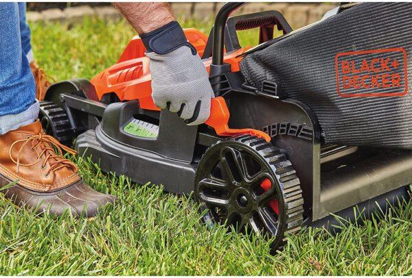 BLACK+DECKER Electric Lawn Mower, 10 -Amp, 15-Inch (BEMW472BH) - 1